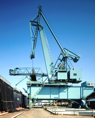 Tyre Mounted Level Luffing Crane